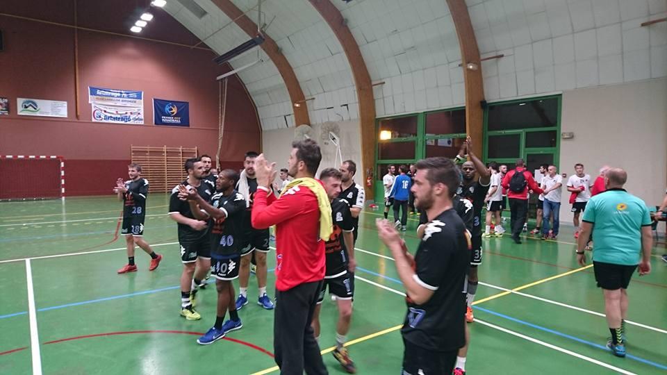 Seniors 1 bat Aunis La Rochelle 27 – 23